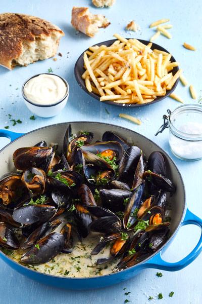 blue-ocean-mussels-classic-belgium-mussels-recipe
