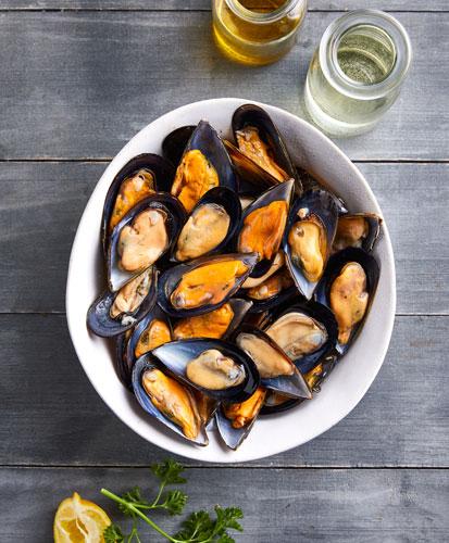 blue-ocean-mussels-half-shell-mussels